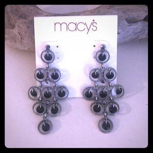 🖤Super cute earrings with dangling black beads🖤